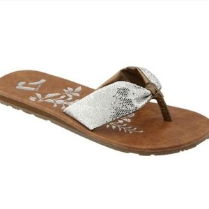 ❤SOLD❤Cliff's By White Mountain Landmark Sandals